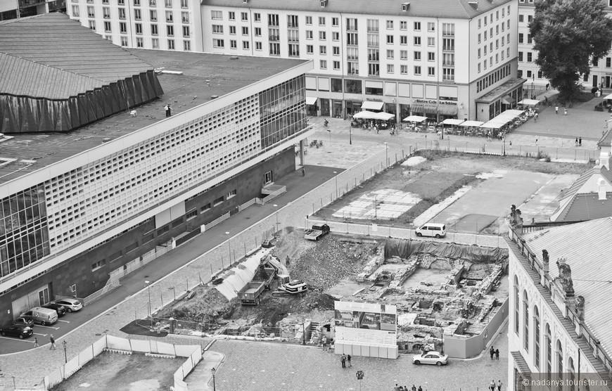 Все еще ведутся раскопки. прям в центре города, аккуратно по-немецки:)