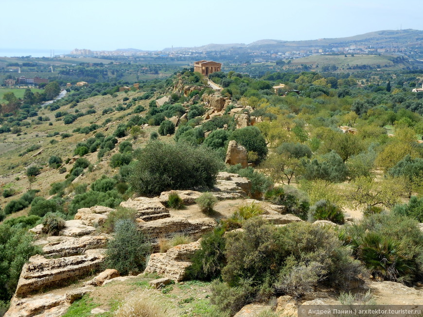 Хребет долины храмов.