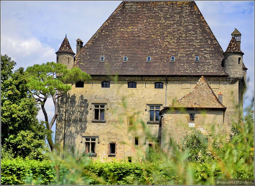 Замок Ивуар сегодня принадлежит семейству Ивуар. Это частная собственность. Посетить его нельзя.