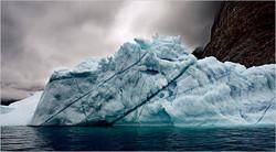 Подо льдами Гренландии обнаружили гигантское незамерзающее озеро