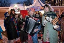В Санкт-Петербурге начала работу Рождественская ярмарка