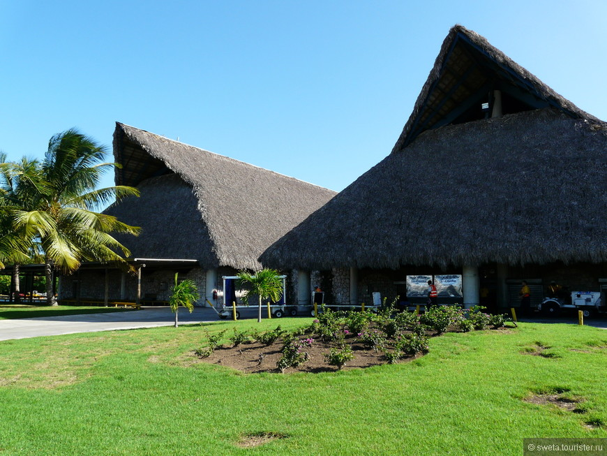 Аэропорт Доминиканы, построенный на средства Хулио Иглесиаса