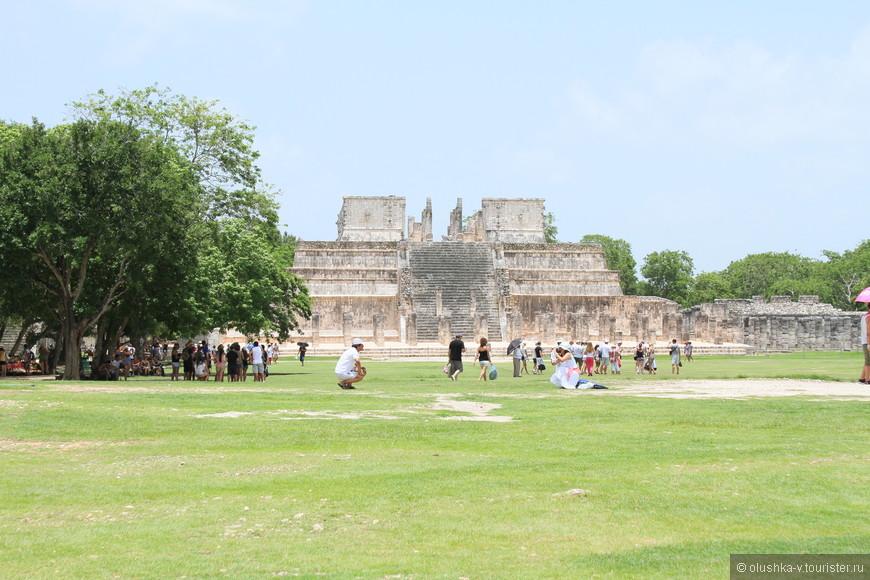 Чичен-Ица, храм войнов