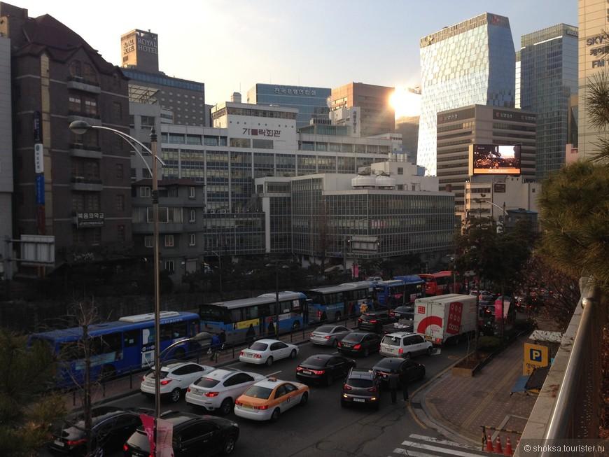 Сеул - это современный, динамичный, калоритный, интересный, во многом аутентичный город Южной Кореи.