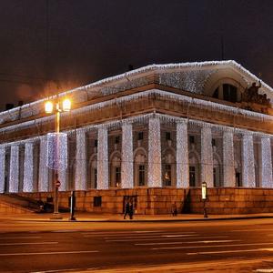 Здание биржи на стрелке Васильевского острова.