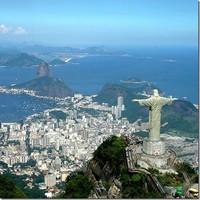 Статую Христа-Искупителя в Рио-де-Жанейро повредило молнией