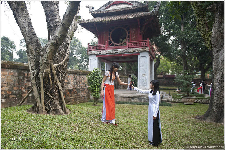На основе храма возник первый вьетнамский университет. А сегодня ВУЗов в столице страны — целых 25!