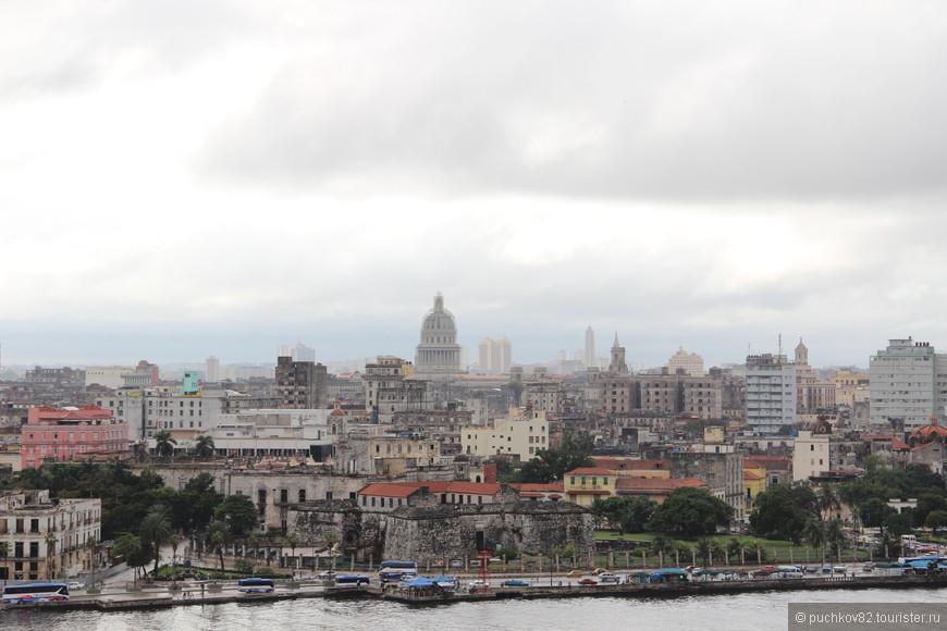 Вид на Гавану со смотровой площадки у статуи Христа
