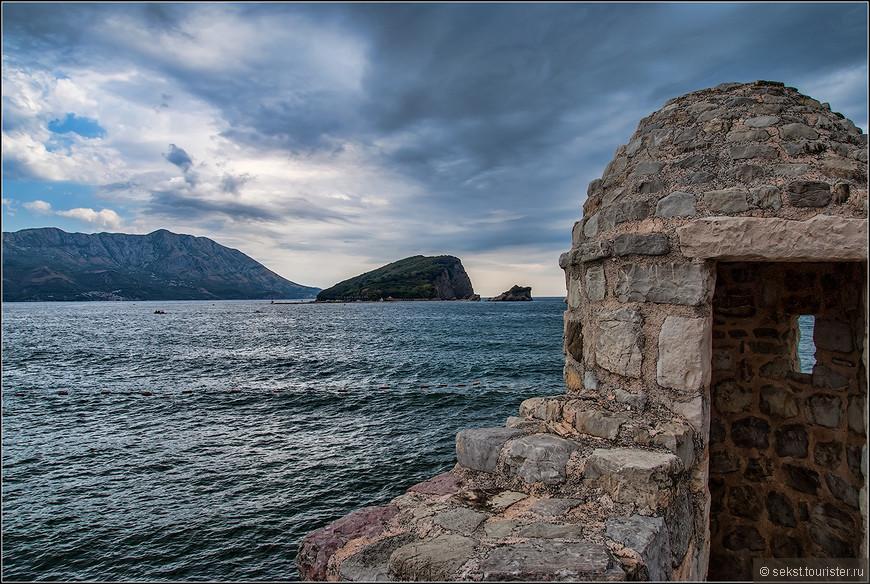 Одна из башенок крепостной стены