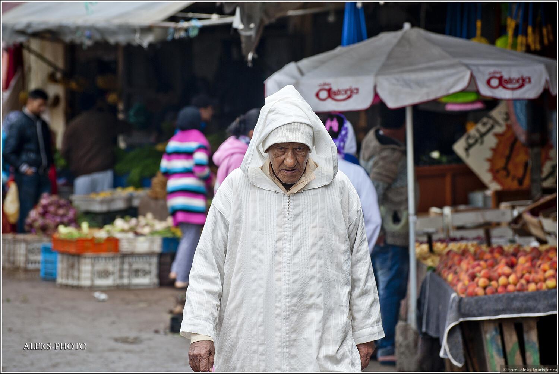 Вот почему у марокканцев редко увидишь улыбку на лице? Чаще всего они какие-то зажатые и угрюмые. Хотя, если честно, мы не сильно от них отличаемся... , Апельсиновый салат из Магриба (Марокко)