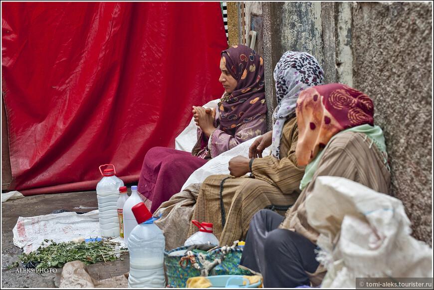 Продавщицы молока. У марокканцев в чести - козье молоко...