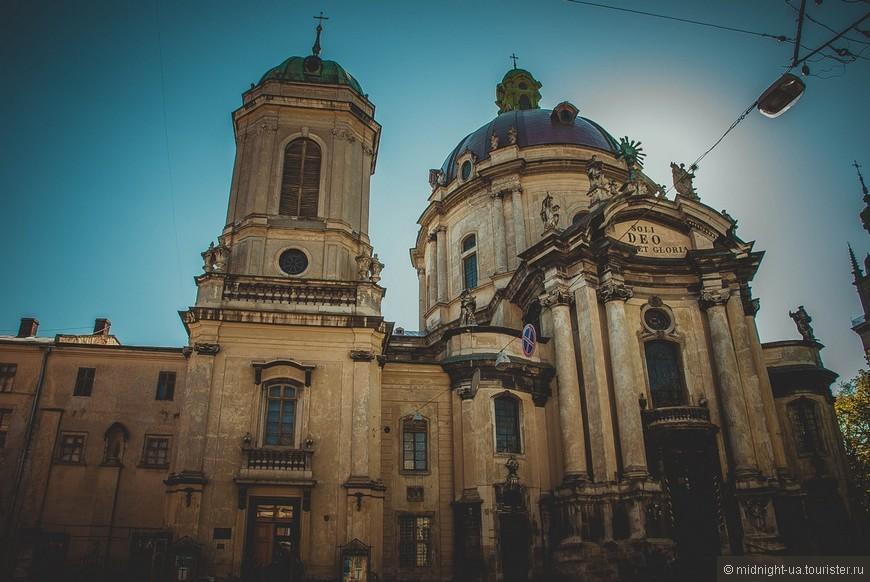 Поразил своей красотой ансамбль монастыря доминиканцев.