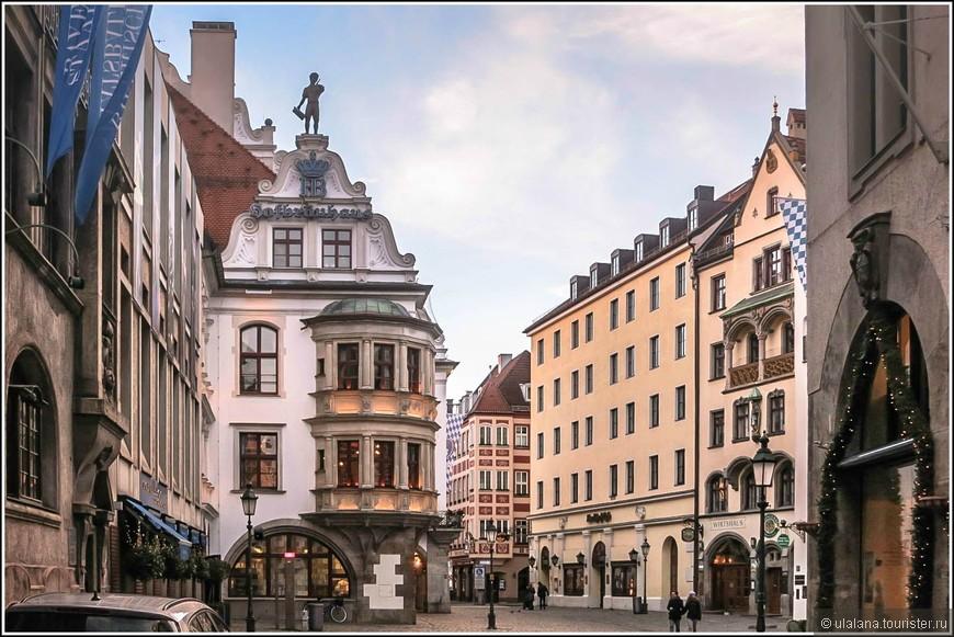 Хофбройхаус - один из самых известных в мире пивных ресторанов. Открылся в 1607 году как придворная пивоварня, но позже превратился в Мекку для всех ценителей пенного напитка.