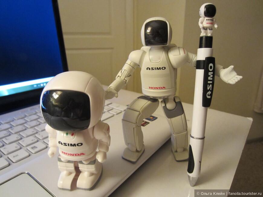 Эти маленькие копии действующего робота Асимо, демонстрацию возможностей которого мы наблюдали в музее Мираикан, тоже уже в Новосибирске. http://fanolia.tourister.ru/videos/2781