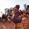 Карнавал в Иврее, апельсиновый бой