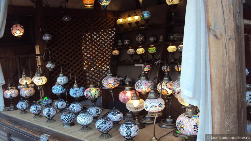 лучшее место для покупки сувениров находится на улице Караимской