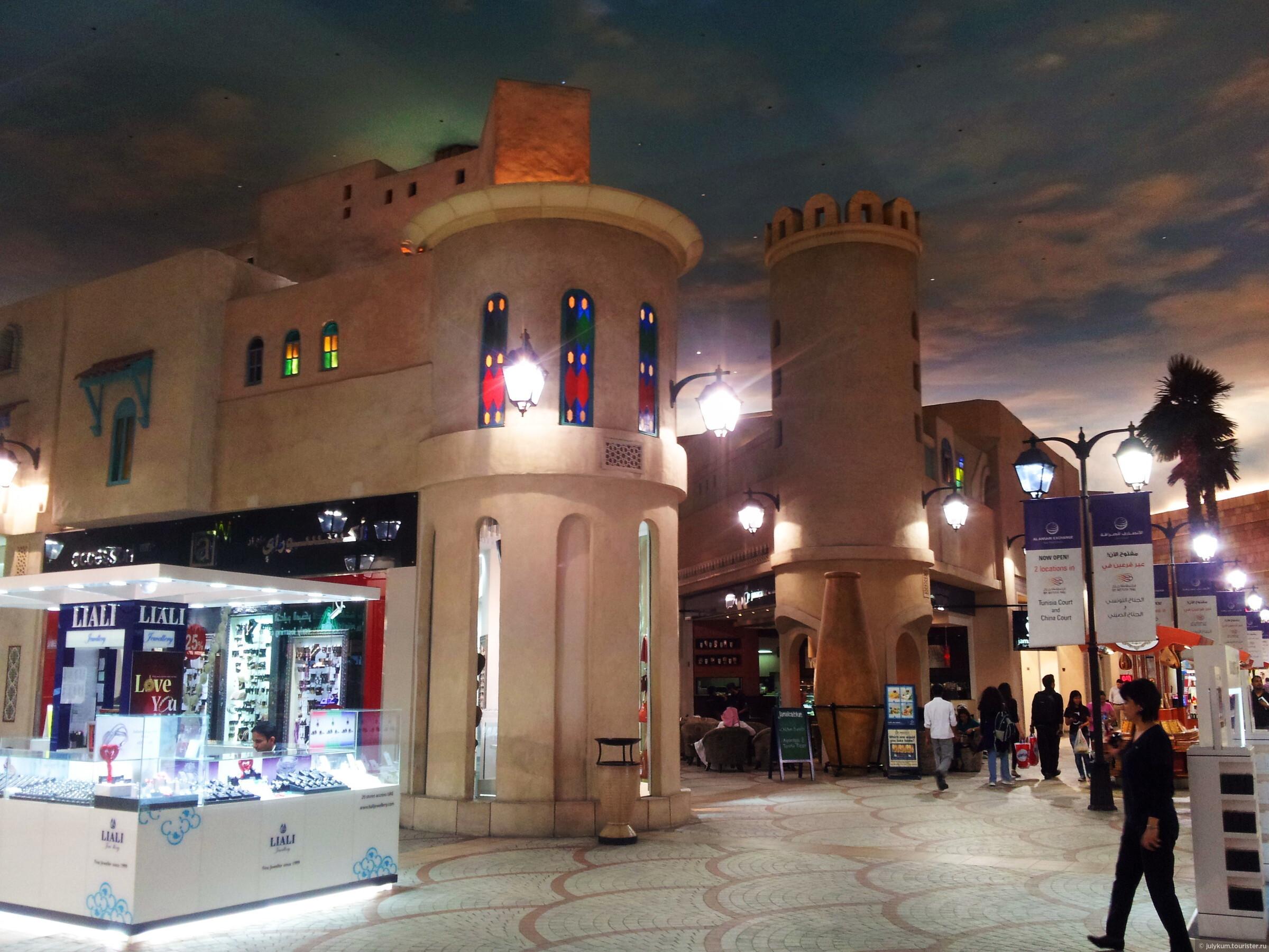 Ibn Battuta Mall — самый необычный торговый центр Дубая. Ч. 1: Дворы Андалузии и Туниса