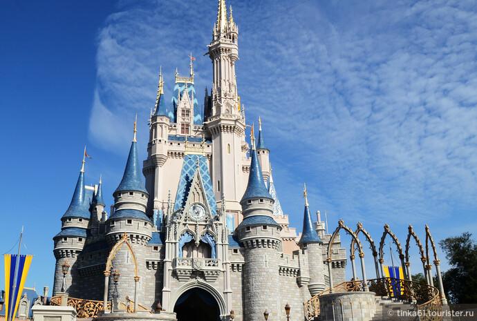 Символ  Magic Kingdom -  Замок Золушки.