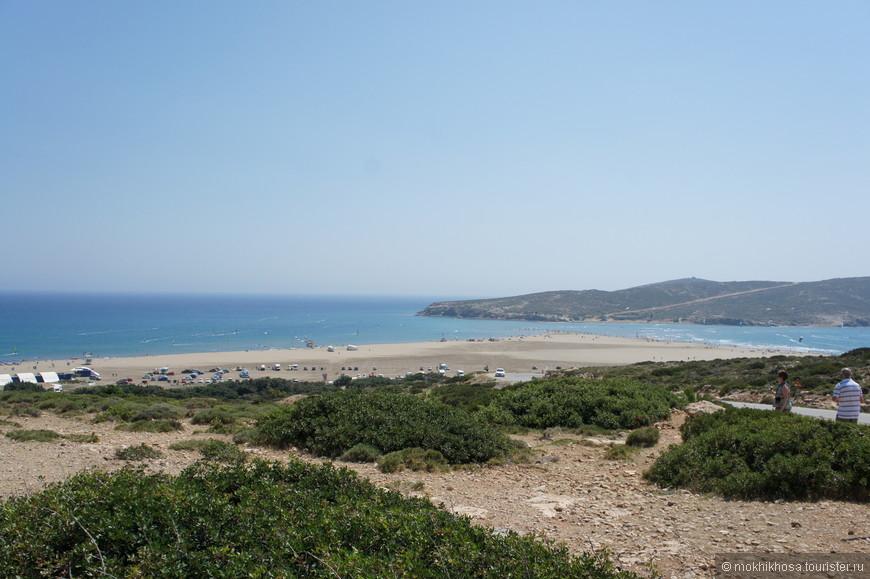 """""""поцелуй двух морей"""" - место так названо за счет перешейка, который соединяет Родос с маленьким островом близ него."""