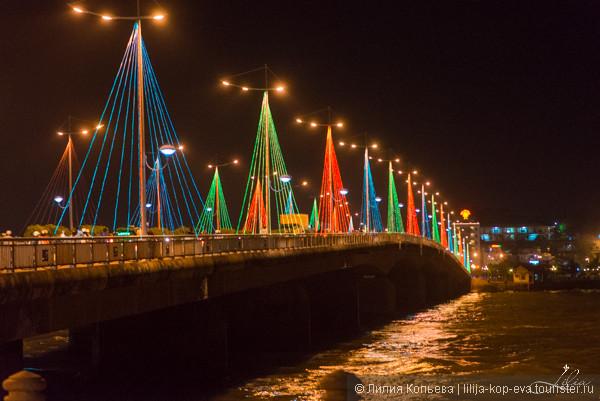 Мост с праздничной подсветкой