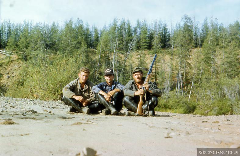 Я с братьями Смирновыми во время 2х недельного заброса на Омолон.