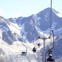 В Приэльбрусье остановилась канатная дорога, туристов пришлось эвакуировать