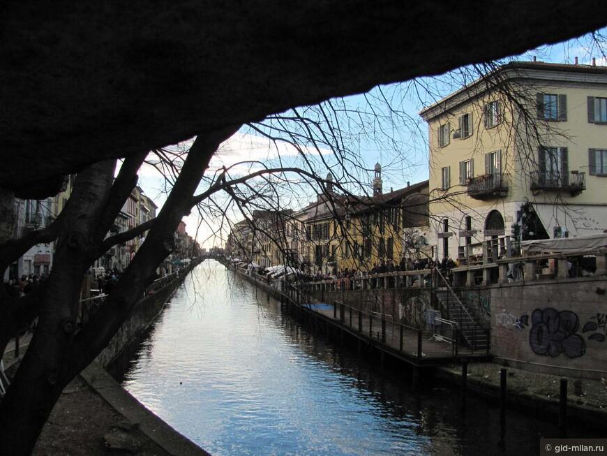 Канал место романтическое, и даже лёгкий налёт декаданса не портит атмосферы.