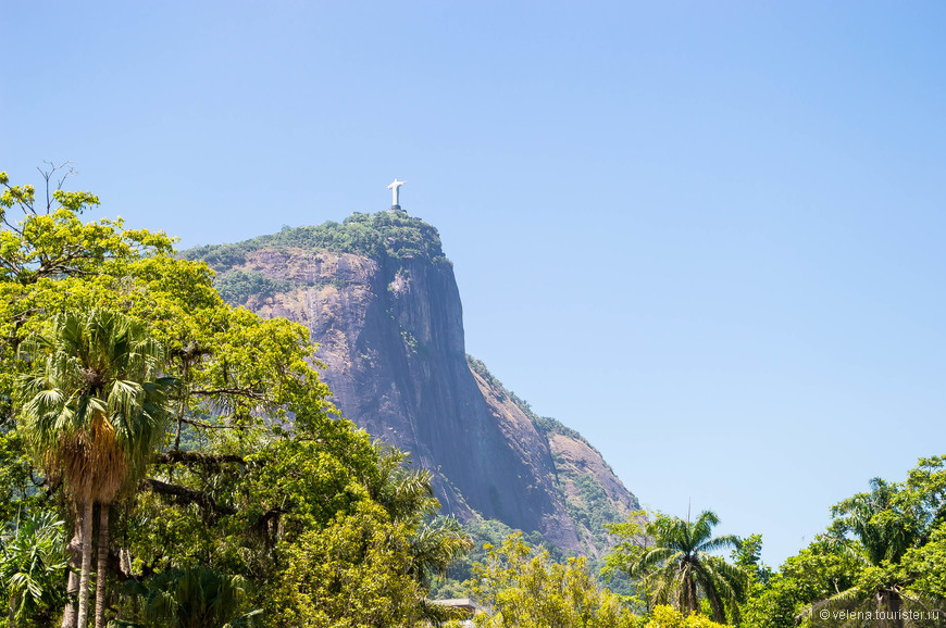 гора Корковаду со статуей Христа-Искупителя