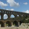 Знаменитый акведук Pont du Gard.