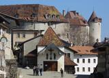 Замок Грюйер с художественной выставкой.