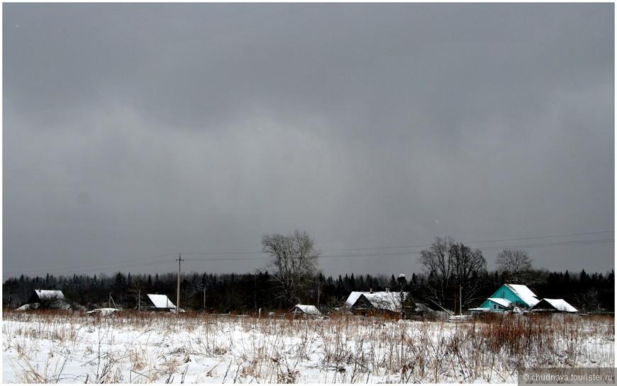 Сонные домики в снежных постелях.
