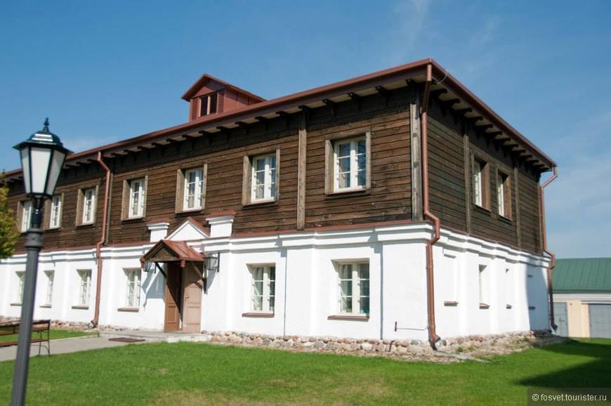 На территории мужского монастыря