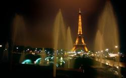 Ночной шопинг в Париже оказался под запретом