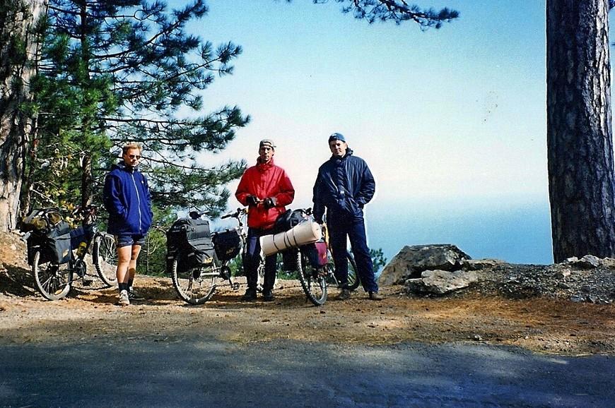 Спускаясь с Ай Петри остановиться невозможно, 28 км с горки, кайф.