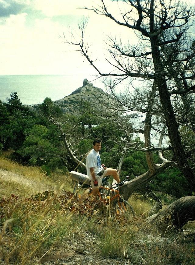 Мыс Пещерный, под Новым Светом. Мы там часто и без велосипедов отдыхали. А по тропе Галицина на велике проехать, так это была просто мечта.