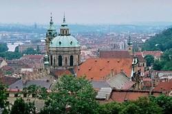 Новогодняя Прага подешевела