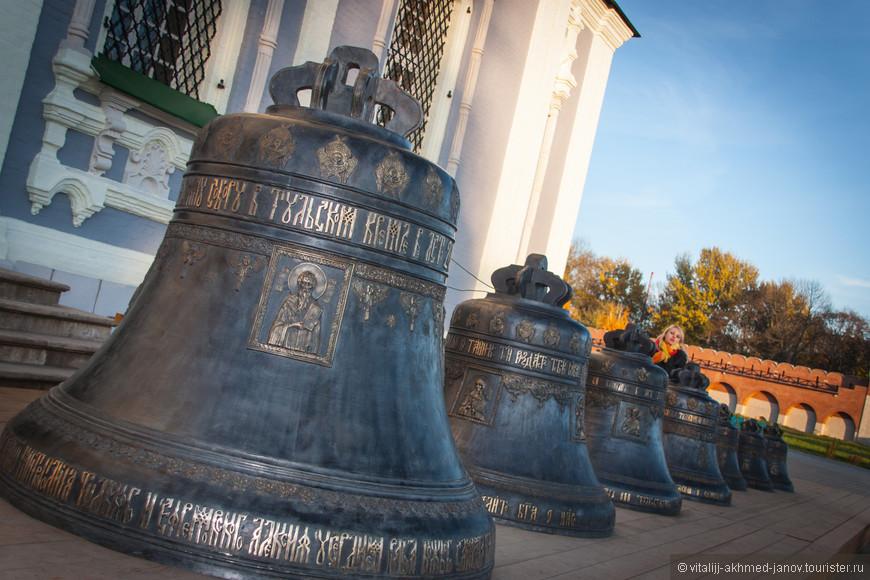 Колокола строящейся колокольни Успенского собора