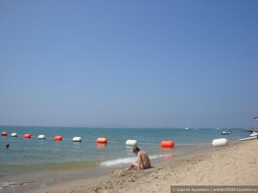 Море достаточно чистое и теплое