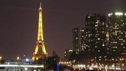 Световое шоу в честь юбилея Эйфелевой башни
