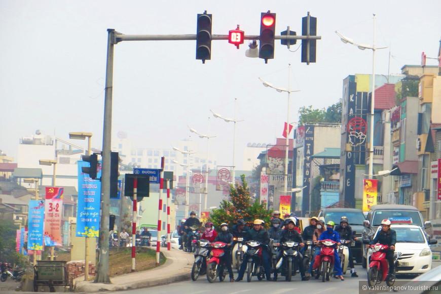 Вьетнамские мотоциклисты - это просто чума! Саранча!