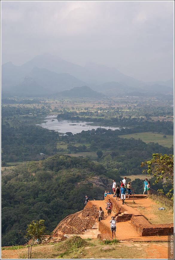srilanka_1204.jpg