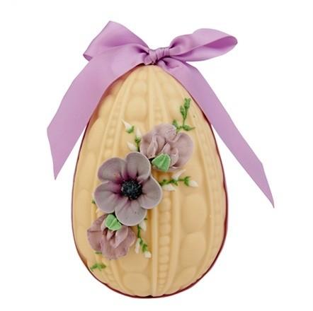 hand-decorated-white-chocolate-egg--1027062_0x440.jpg