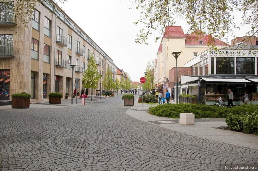 пешеходная улочка г. Хевиз
