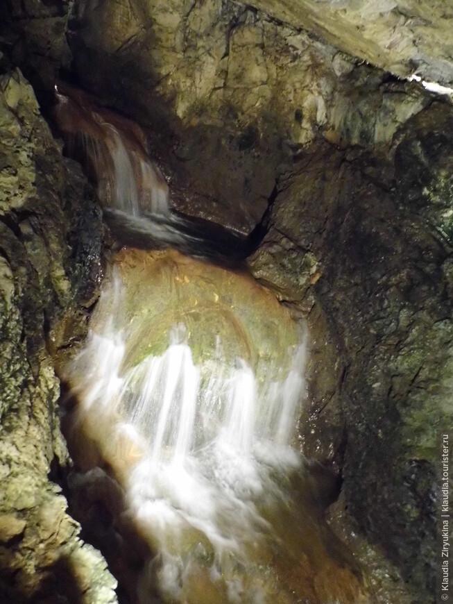 Подземные водопады встречаются