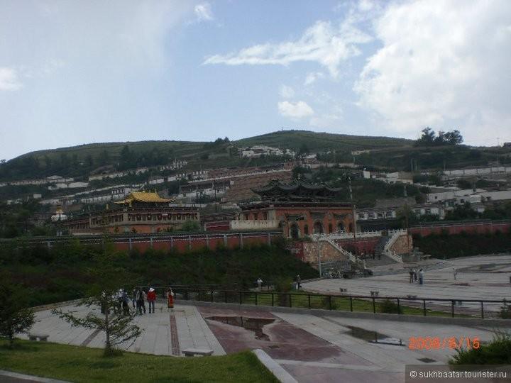 Кумбум. Амдо. Тибет. Именно в этих краях родился Лама Зонхаба и 13 -ый Далай Лама Данзанжамц.   Святые места.