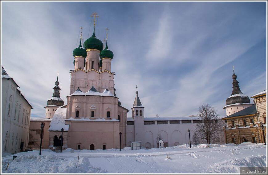 Ростовский кремль. Церковь Иоанна Богослова.