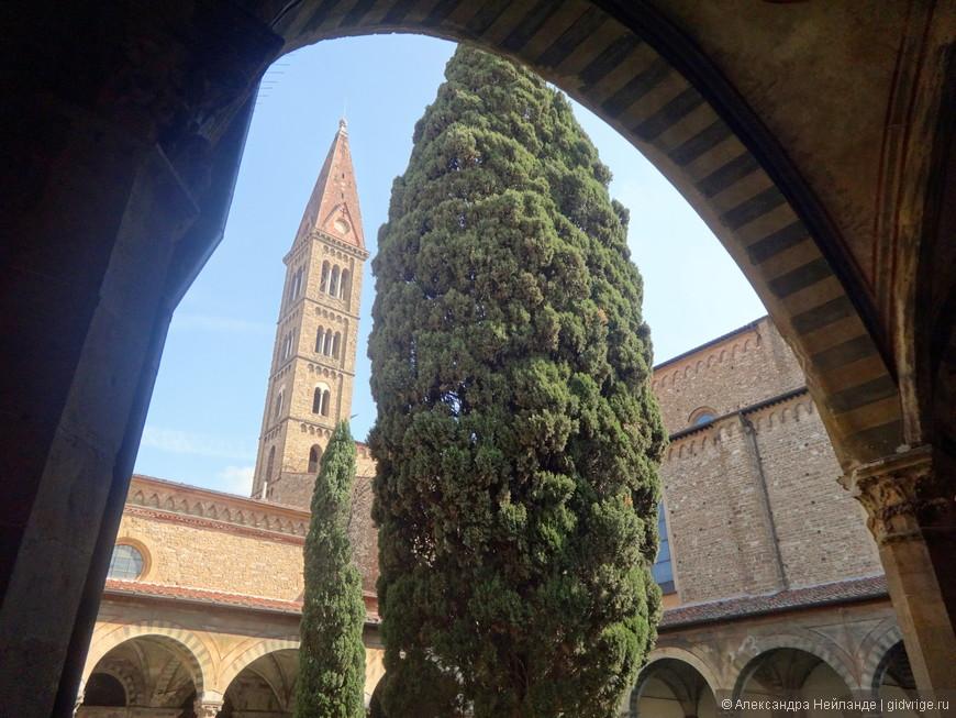 Санта-Мария Новелла. Трудно поверить, но именно в этой церкви встретились герои Декамерона и решились уехать из Флоренции во время чумы в 14 веке