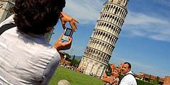 Итальянские студенты не подпускают туристов к достопримечательностям