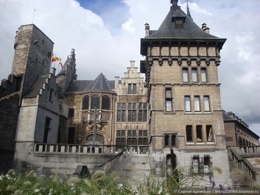 Замок Steen с обратной стороны