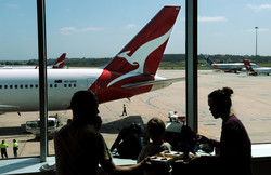 В аэропорту Мельбурна экстренно затормозил самолет